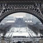 Üvegfal védi az Eiffel-tornyot